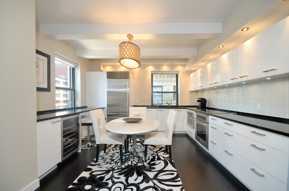 Corporate Housing Kitchen - Executive Plaza NYC